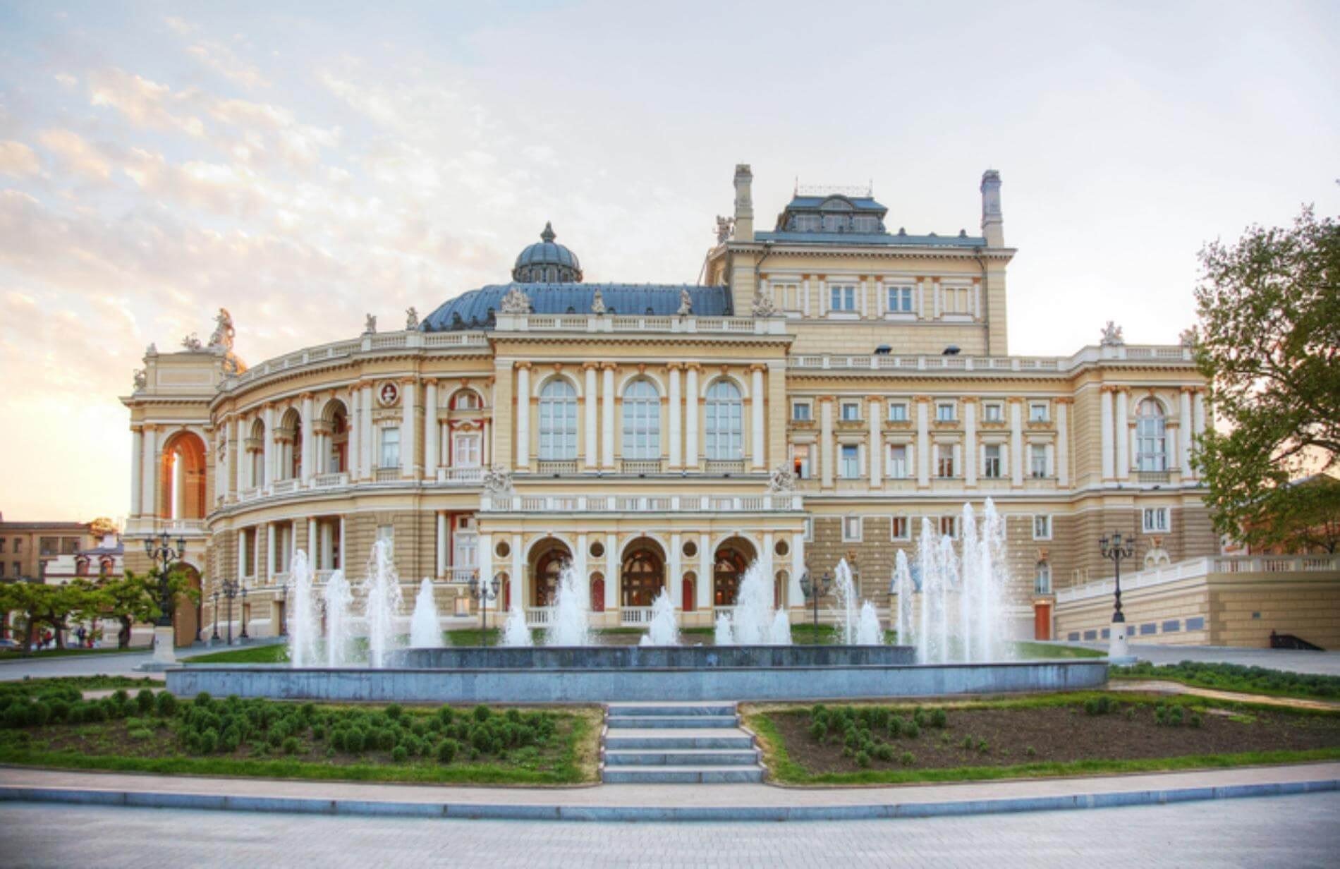 השני בגודלו בעולם, בית האופרה של אודסה