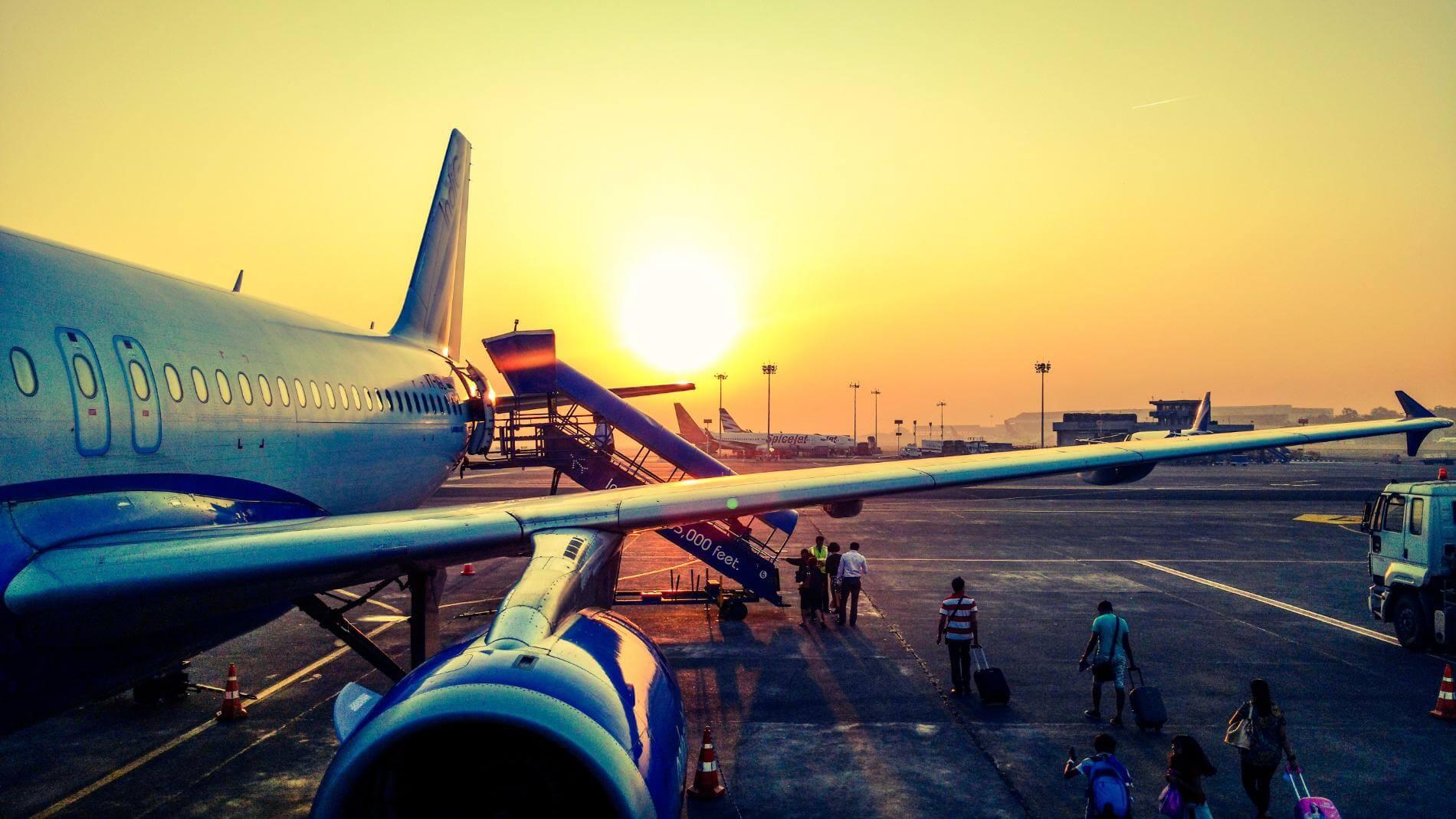 אנחנו ממליצים ליתר בטחון בכל זאת להדפיס את כרטיס הטיסה וכרטיס העלייה למטוס