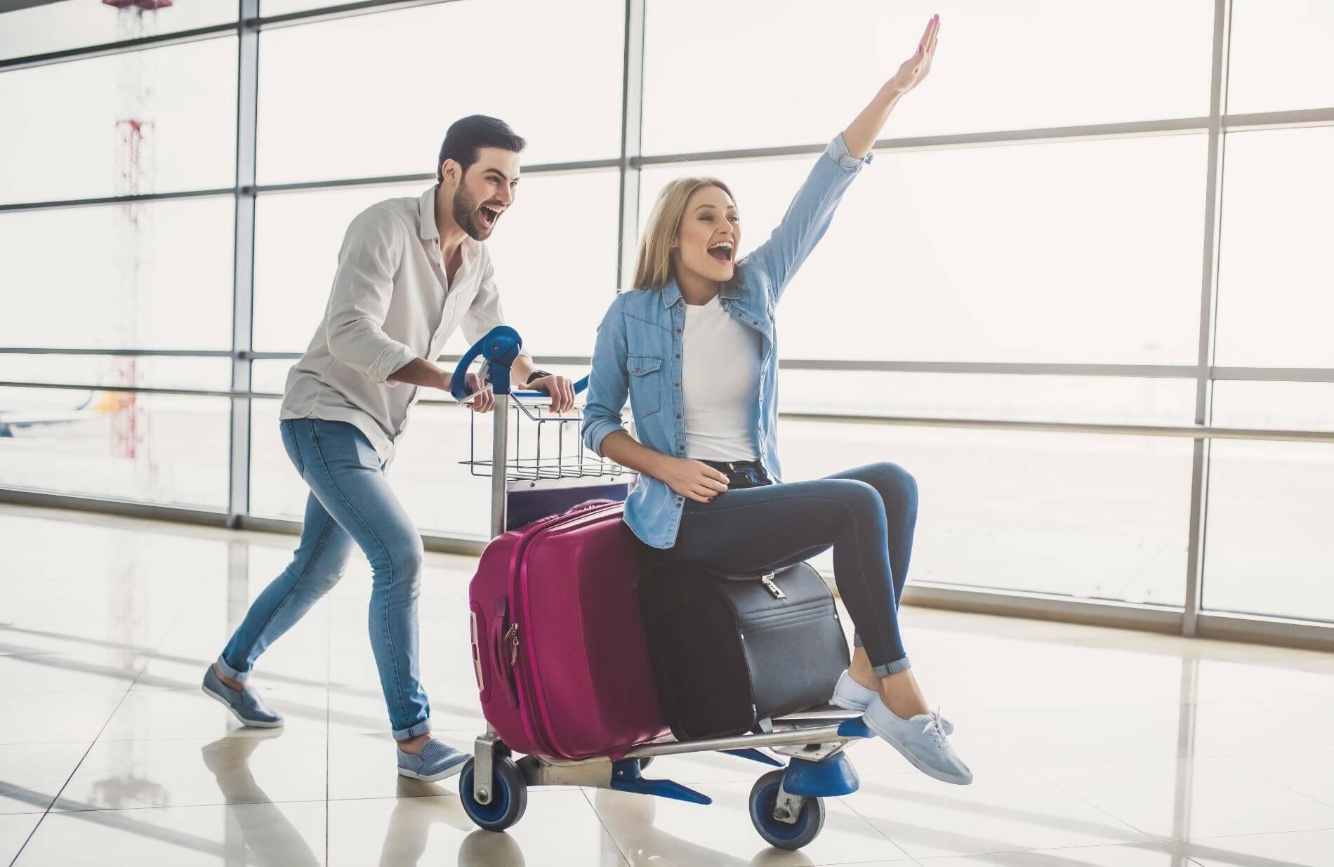 לפני שטסים שוקלים מזוודות