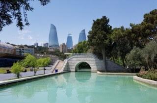 Baku bridge Cropped (1)