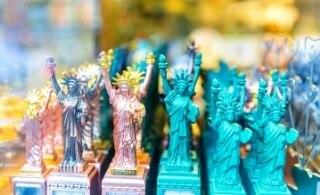 פסלי החירות למכירה